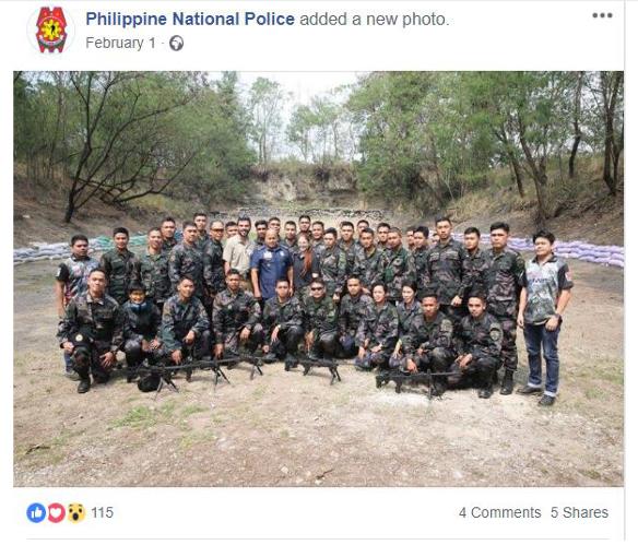 שוטרים מתאמנים בירי עם מקלעי נגב. תמונה מתוך עמוד הפייסבוק של משטרת הפיליפינים.